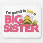 Voy a la abeja una camiseta de la hermana grande alfombrillas de ratón