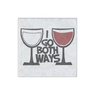 Voy humor del bebedor del vino de ambas maneras imán de piedra