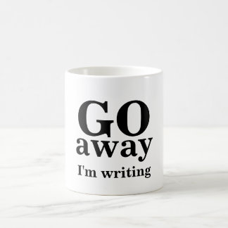 VOY, lejos, estoy escribiendo Taza Clásica