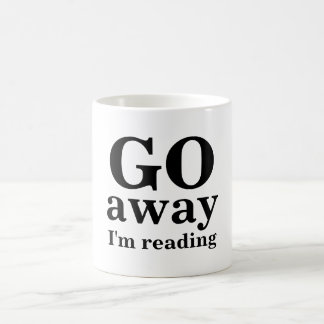 VOY, lejos, estoy leyendo Taza