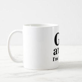 VOY, lejos, estoy pensando Taza De Café