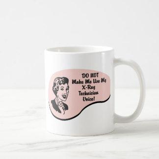 Voz del técnico de la radiografía tazas de café