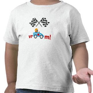 Vroom coche de carreras y camiseta a cuadros de lo