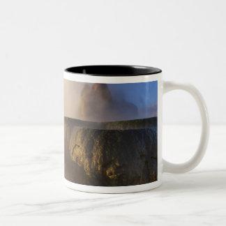Vuele el géiser con la gama capsulada nieve 2 del  tazas de café