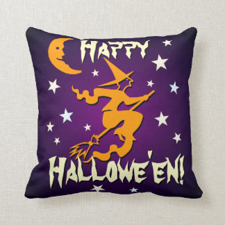 Vuelo anaranjado de la bruja del feliz Halloween Cojín