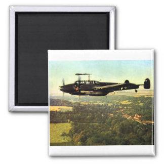 Vuelo bajo ME-110 alemán de WWII Imán Cuadrado