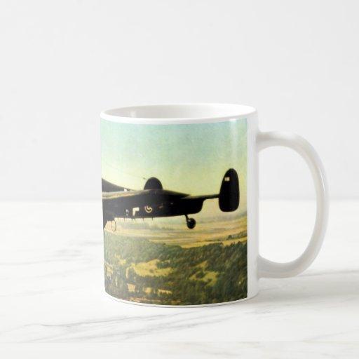 Vuelo bajo ME-110 alemán de WWII Taza Clásica