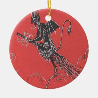 Vuelo de Krampus en la escoba Ornamento Para Arbol De Navidad
