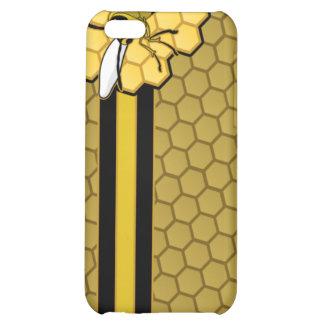 Vuelo de la abeja lejos del panal