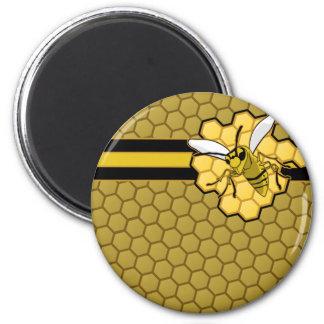 Vuelo de la abeja lejos del panal imán