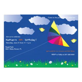Vuelo de la cometa - invitaciones del cumpleaños d comunicado personal