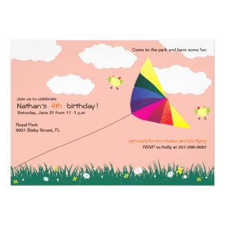 Vuelo de la cometa - invitaciones del cumpleaños d invitaciones personalizada