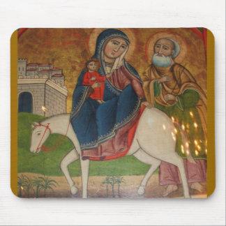 Vuelo de la familia santa en Egipto Alfombrillas De Ratones