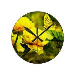 Vuelo de la mariposa amarilla relojes