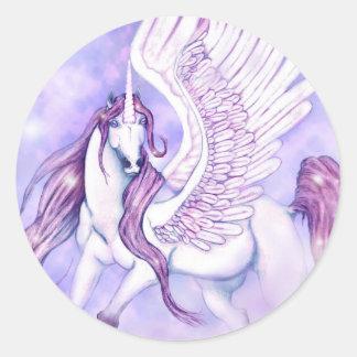 Vuelo de los unicornios de la suposición pegatina redonda