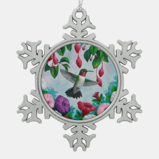 Vuelo del colibrí en jardín de flores adorno de peltre en forma de copo de nieve