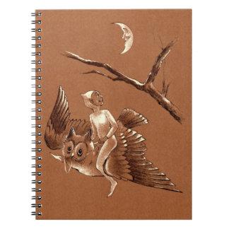 Vuelo del duendecillo en el cuaderno del búho