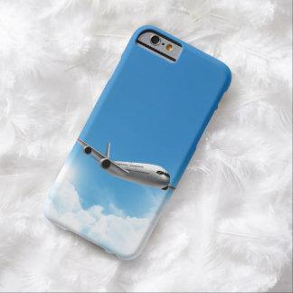 Vuelo del jet en el cielo funda para iPhone 6 barely there