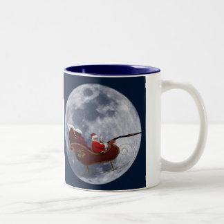 Vuelo del trineo de Santa por la luna Taza
