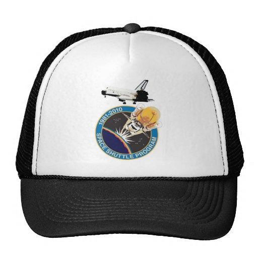 Vuelo final conmemorativo del transbordador espaci gorras