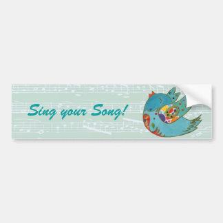 Vuelo lindo del pájaro y canto pegatina de parachoque