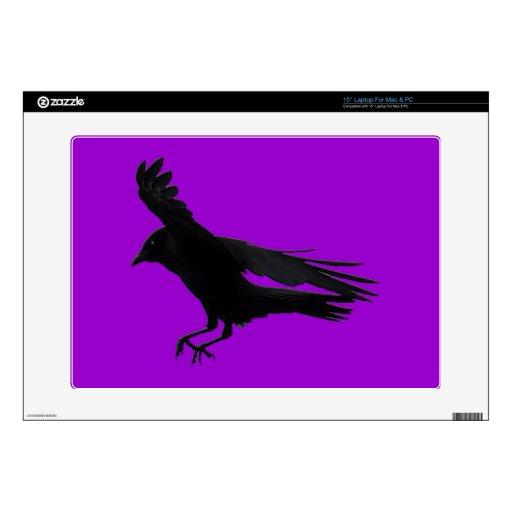 Vuelo que aterriza arte negro del cuervo skins para portátil