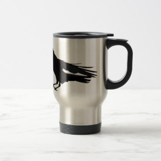 Vuelo que aterriza arte negro del cuervo taza térmica