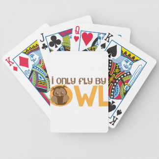 Vuelo solamente por el búho barajas de cartas