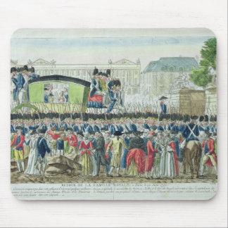 Vuelta de la familia real francesa a París Alfombrilla De Raton