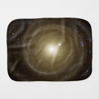 Vueltas de la galaxia espiral NGC 4622 Paños De Bebé