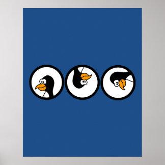Vueltas del pingüino en círculos póster