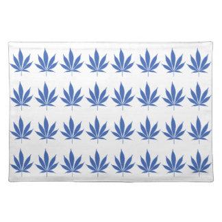 W14 Blue Pot Leaf Placemat