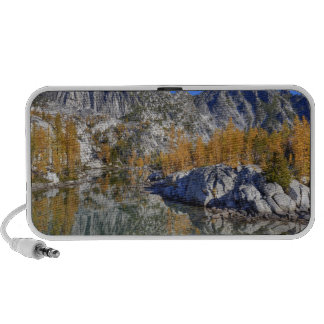 WA, Alpine Lakes Wilderness, Enchantment 7 iPod Speakers