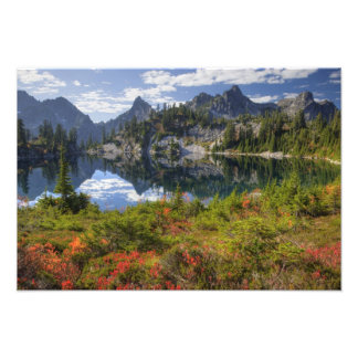 WA, Alpine Lakes Wilderness, Gem Lake, with 2 Art Photo