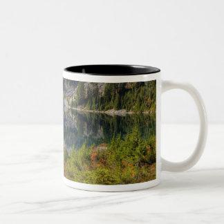 WA, Alpine Lakes Wilderness, Gem Lake, with Two-Tone Coffee Mug