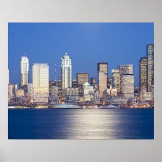 WA, horizonte de Seattle, Seattle y Elliott aúllan Poster