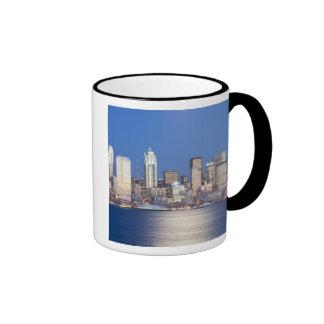 WA, Seattle, Seattle skyline and Elliott Bay, 2 Mug