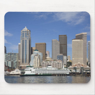 WA, Seattle, Seattle skyline with ferry boat Mouse Pad