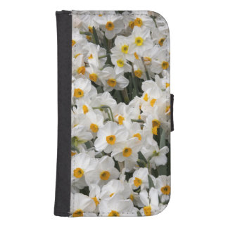 WA, Skagit Valley, Daffodil pattern Phone Wallet