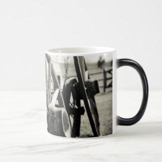 waggon 11 oz magic heat Color-Changing coffee mug