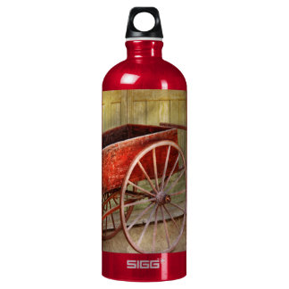 Wagon - That old red wagon Water Bottle