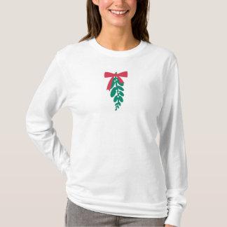 WagsToWishes_Mistletoe bolo Merry Kissmas T-Shirt