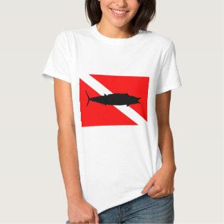 Wahoo de la bandera de la zambullida playeras