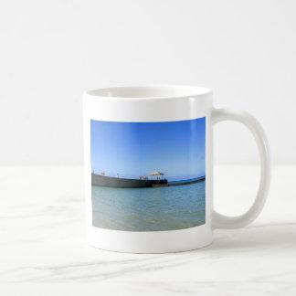 Waikiki Beach, Honolulu, Oahu, Hawaii, USA Coffee Mug