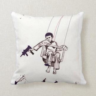 Wake.Up.Tokyo - Alla Guerra Throw Pillow