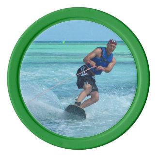 Wakeboarding en las zonas tropicales fichas de póquer