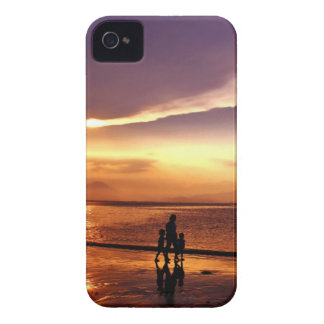 Walking on the Beach at Sunset iPhone 4 Cover