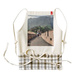 Walking on the Great Wall of China Zazzle HEART Apron