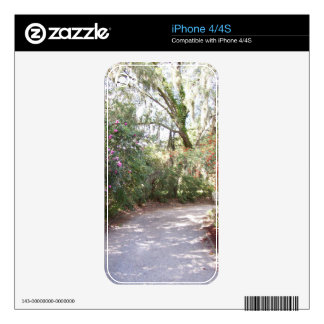 Walking trail in nature decal for the iPhone 4