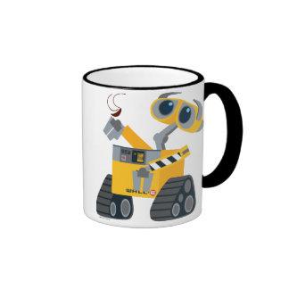 WALL-E que coge un tesoro Taza De Dos Colores